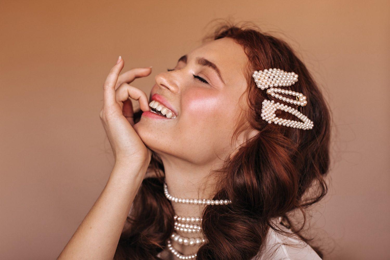 Woman Pearl Jewellery